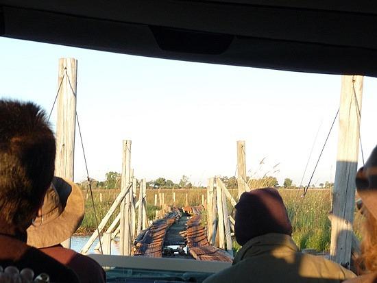 1.1287011955.crossing-the-bridge-at-duba-plains