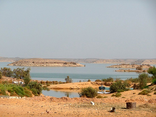 1.1285974917.lake-nasser-at-abu-simbel