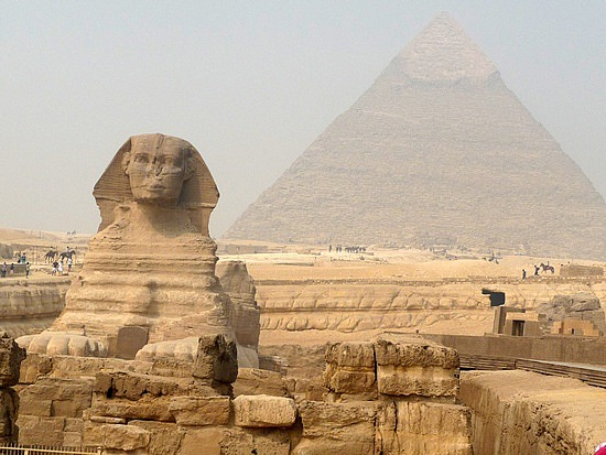 1.1286092562.the-spinix-and-the-pyramid-of-khafre