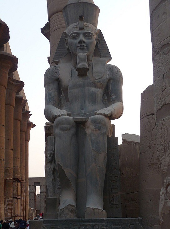 1.1286107791.a-seated-ramses-ii-at-the-entrance-in-luxor