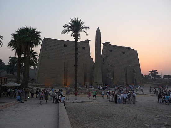 1.1286107791.luxor-temple-at-sunset
