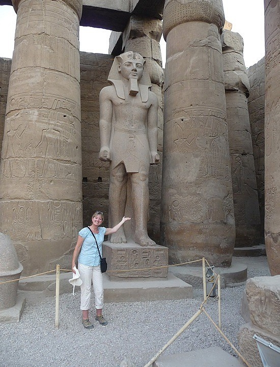 1.1286107791.me-in-the-great-court-of-ramses-ii-at-luxor-te