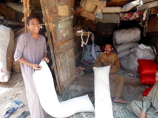 1.1286228033.mohammed-the-bed-and-pillow-maker-at-esna