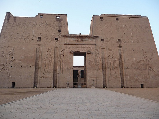 1.1286228033.the-temple-of-horus-at-edfu