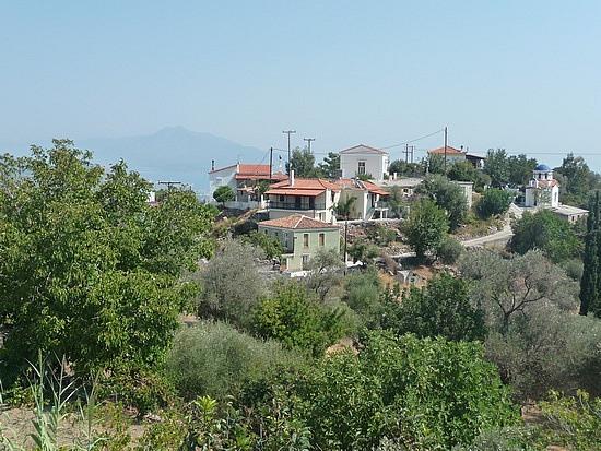 1.1284888836.pirgos-in-central-samos-island