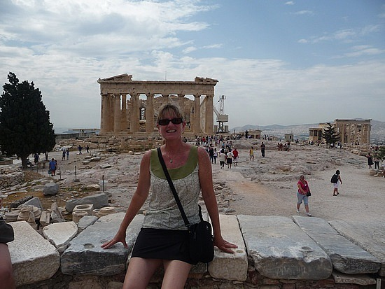 1.1285159957.me-in-front-of-the-parthenon-backside
