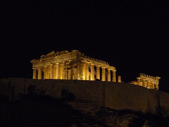 1.1285159957.the-parthenon-at-night