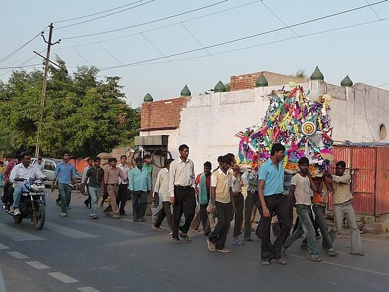 1.1287876040.hindu-funeral