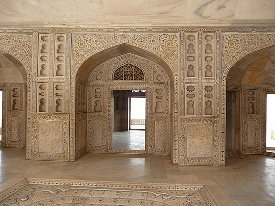 1.1287876040.inside-the-khas-mahal-palace-at-red-fort