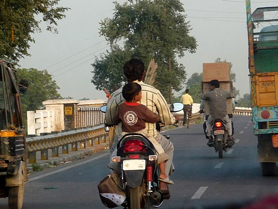 1.1287876040.on-the-road-to-agra-no-helmet-laws-here
