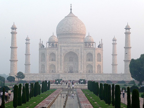 1.1287876040.the-taj-mahal-at-sunrise