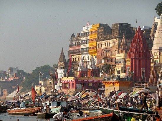 1.1288048865.ghats-on-the-ganges-in-varanasi