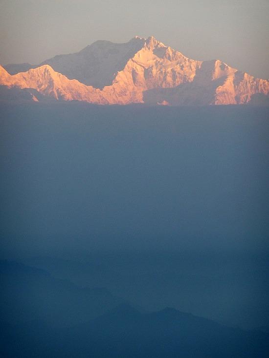 1.1288683822.mt-kanchenjunga-at-sunrise