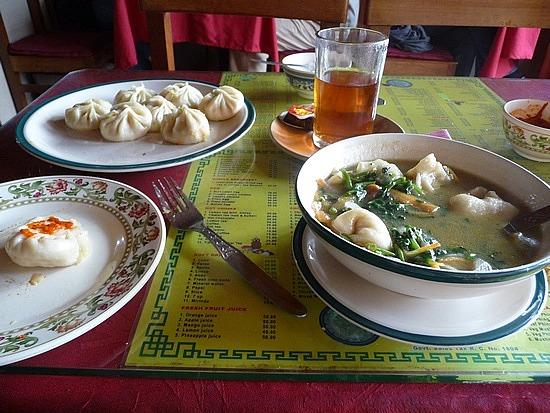 1.1288683822.tibetan-lunch-with-veg-momos