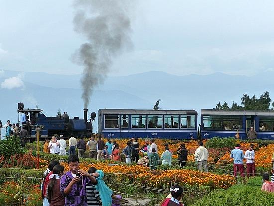 1.1288683822.toy-train-at-batasia-loop