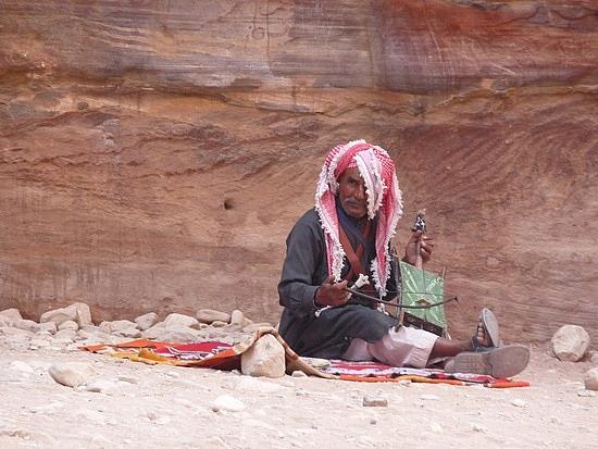 1.1286407065.a-bedouin-at-petra