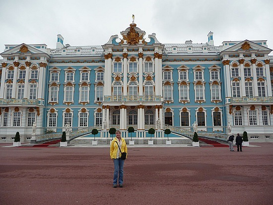 1.1283003110.me-in-front-of-catherine-s-palace