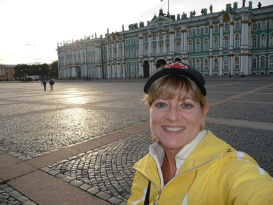 1.1283337920.me-in-front-of-the-winter-palace-hermiitage