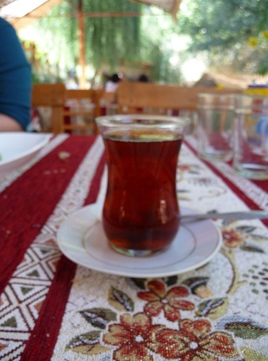1.1284109172.chai-turkish-tea-int-he-funny-little-glass