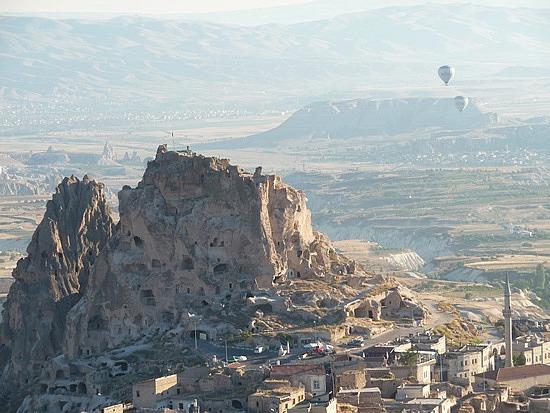 1.1284109172.uchisar-castle