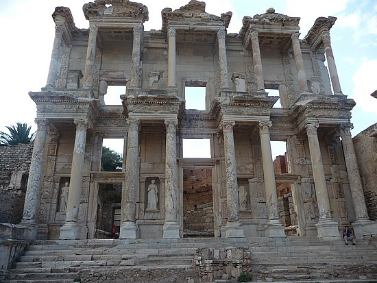 1.1284720946.the-celsus-library-at-ephesus