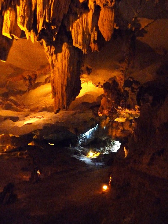 1.1288999430.inside-the-thien-cahn-caves