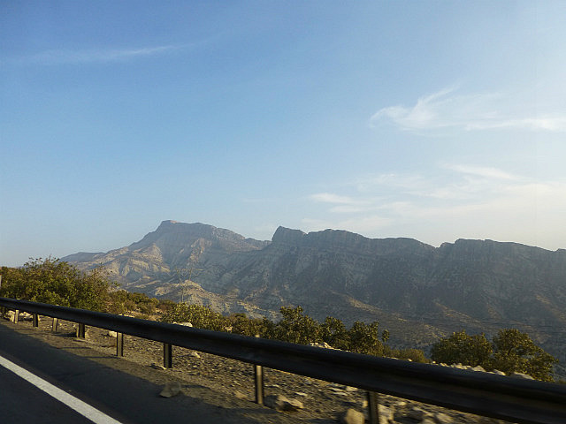 3.1350118684.driving-through-the-zagros-mountaints