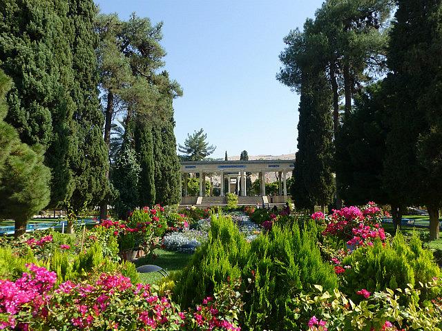 3.1350273040.hafez-mausoleum-and-gardens