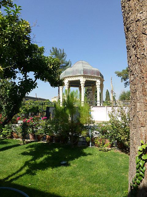 3.1350273040.hafez-mausoleum