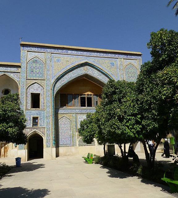3.1350273040.madrassa-e-khan-theological-school-in-shiraz