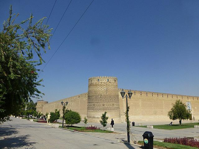 3.1350292583.outside-wall-of-the-arg-e-karim-khan