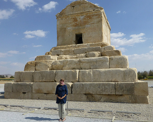 3.1350409556.at-the-tomb-of-cyrus-the-great