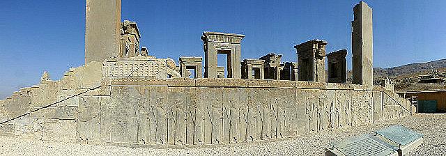 3.1350409556.hadish-palace-stairway