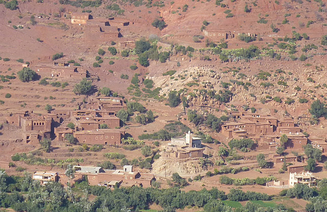 4.1380669505.berber-village-in-high-atlas-mountains