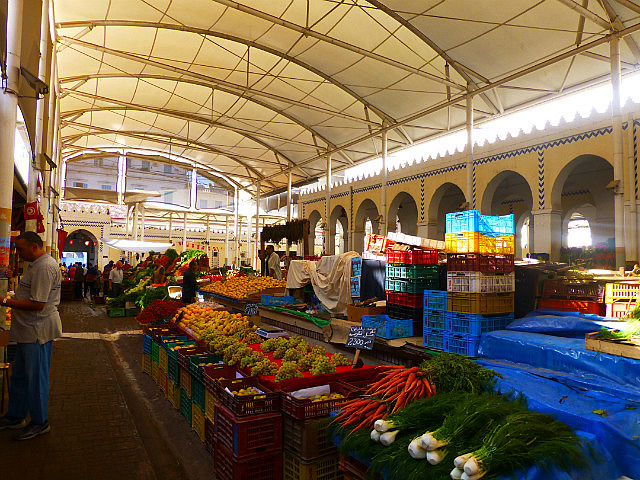 4.1380928730.produce-market-in-tunis