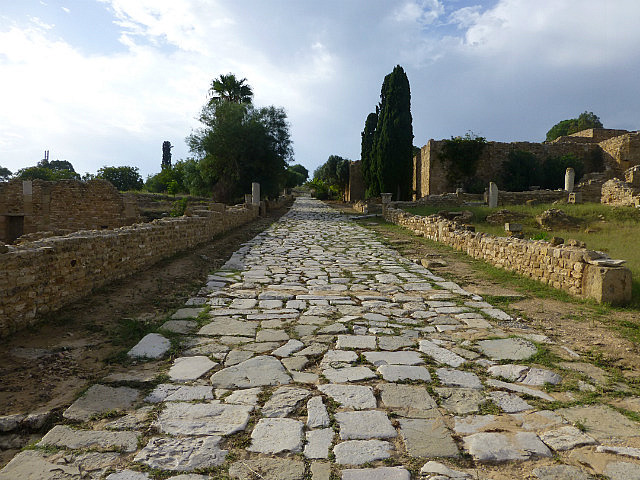 4.1380928730.roman-road-at-the-roman-villas-in-carthage
