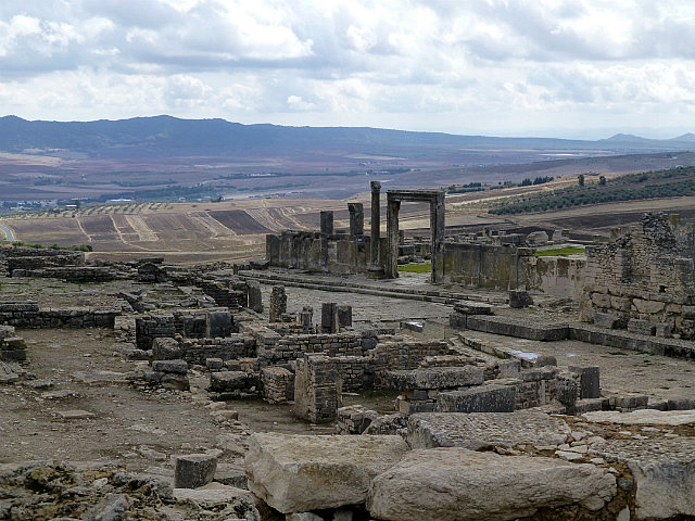 4.1381140206.looking-across-dougga-to-the-slave-market