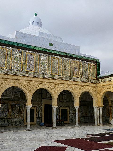 4.1381313236.courtyard-at-mosque-sidi-sahaib-kairouan