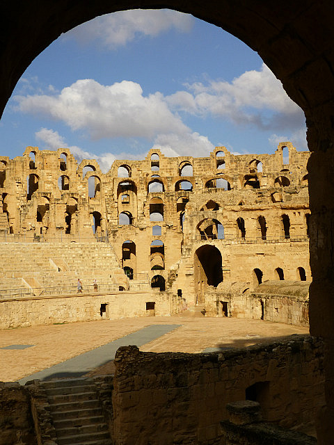 4.1381313236.view-from-the-lions-s-den-at-el-jem-coliseum