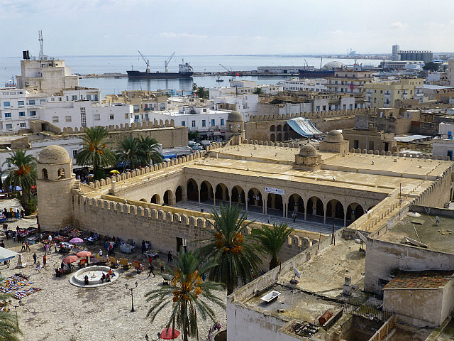 4.1381313236.view-to-the-mosque-on-top-of-the-rabat-watchto