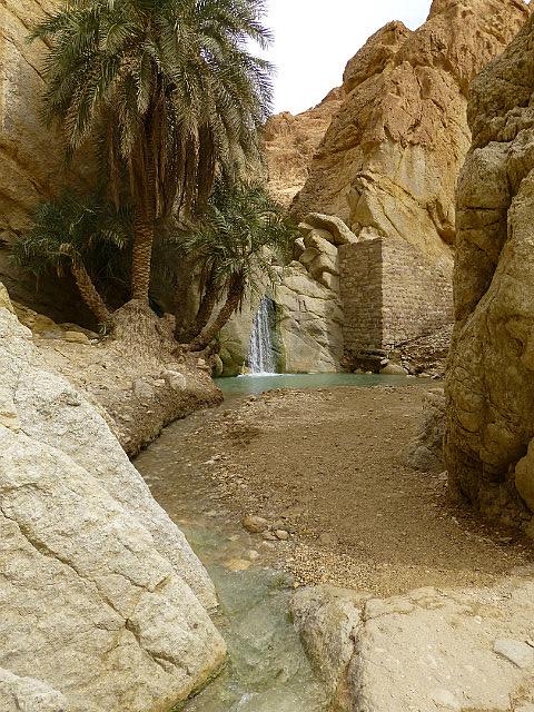 4.1381410715.chebkika-waterfall