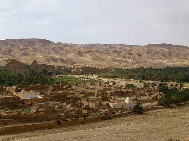 4.1381410715.view-to-old-tamerza-destroyed-in-6