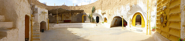 4.1381620375.panorma-of-hotel-where-star-wars-was-filmed