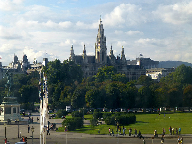 5.1410476672.view-towards-the-parliament