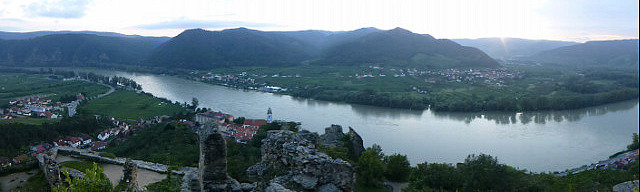 5.1410735903.durnstein-as-seen-from-the-crusader-castle