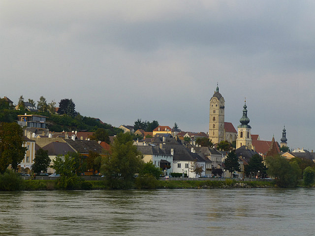 5.1410822324.pulling-into-krems-at-end-of-danube-cruise
