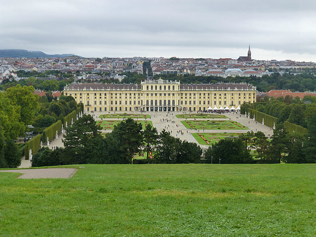 5.1410856587.view-to-schonnbrun-palace-from-the-glorietta