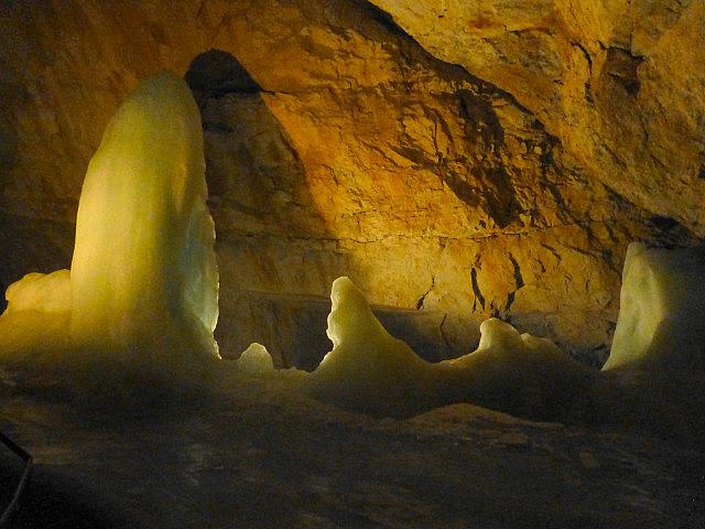 5.1411122942.dachstein-ice-caves