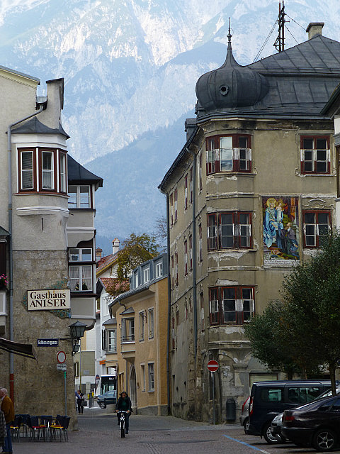 5.1411340771.old-town-hall-in-tyrol