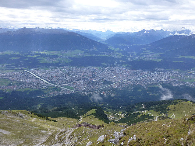 5.1411340771.view-to-innsbruck-from-the-alps